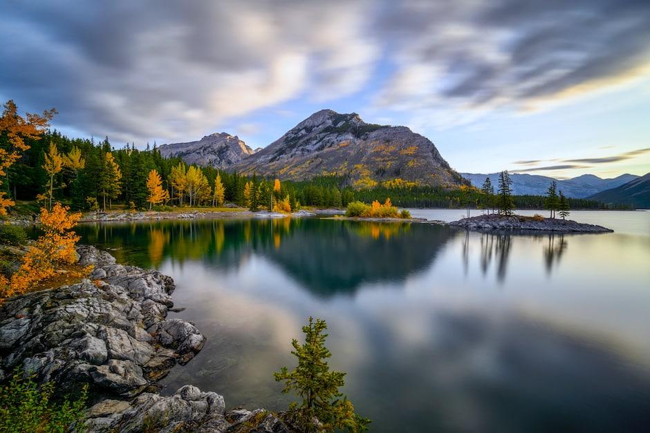 quiet restlessness tzu Lake Minnewanka