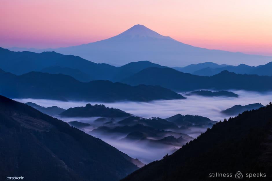 mt fuji sunrise clouds move away nor toward amoda
